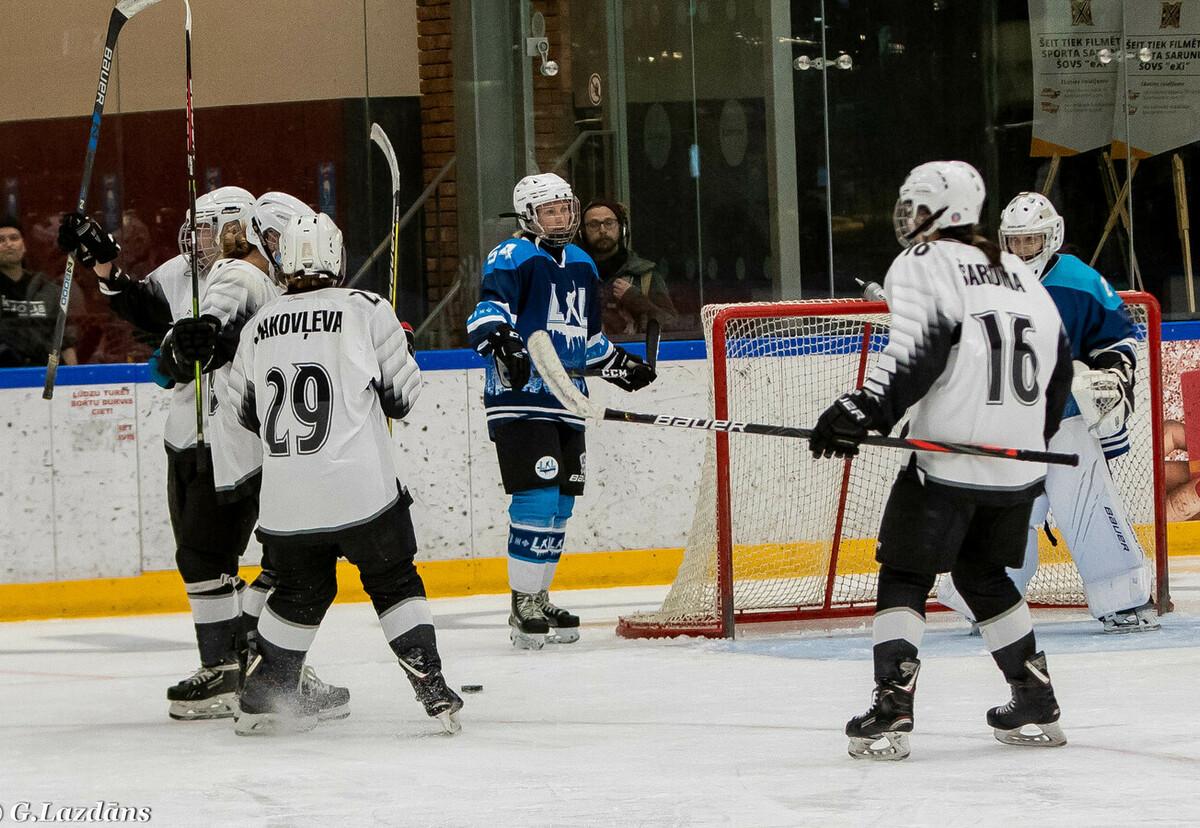 Aizraujošas cīņas Latvijas sieviešu čempionātā